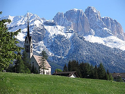 Hotel in vendita val di fassa for Immobiliare canazei